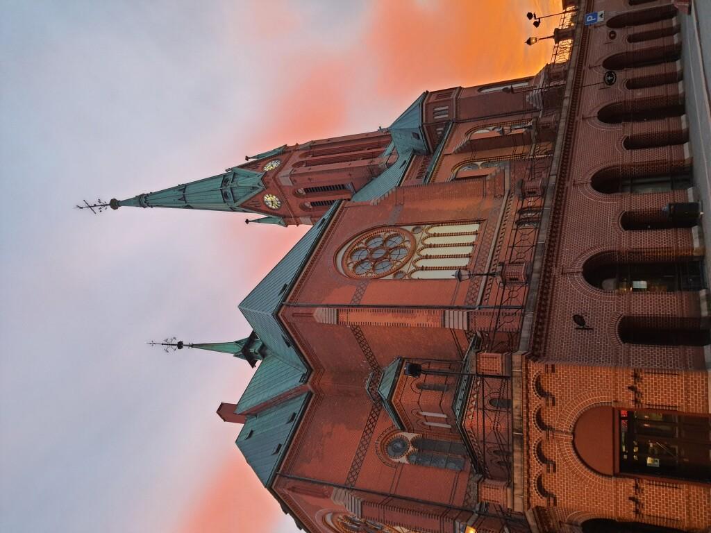 Kirka i solnedgang